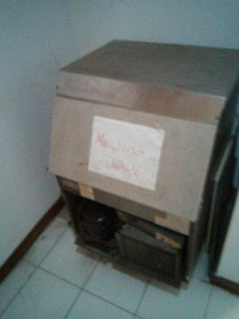 Hotel Chacao Cumberland : Bad cooler / ice generator