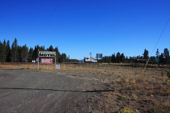 Whispering Pines Motel : Junction of OR 138 and US 97