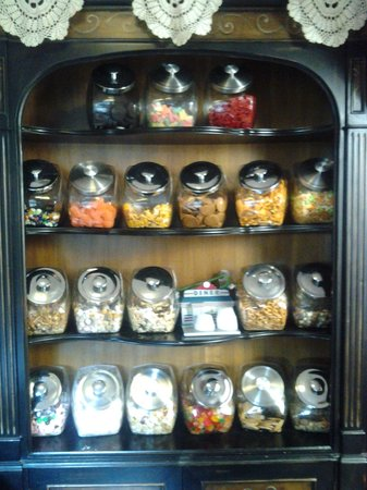 Daffodil Cottage at All Seasons Luxury Properties: Wall of Sweets