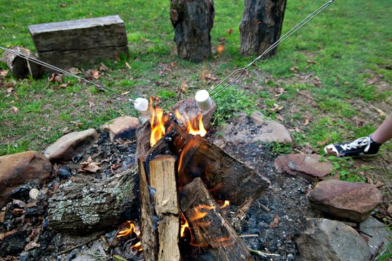 The River's Edge Cottages: Time for S'mores