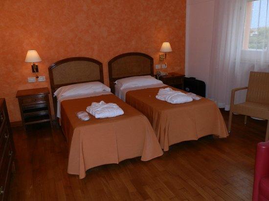 """Versilia Palace Hotel: Accueil chambre 'Peignoir+Pantoufles"""""""