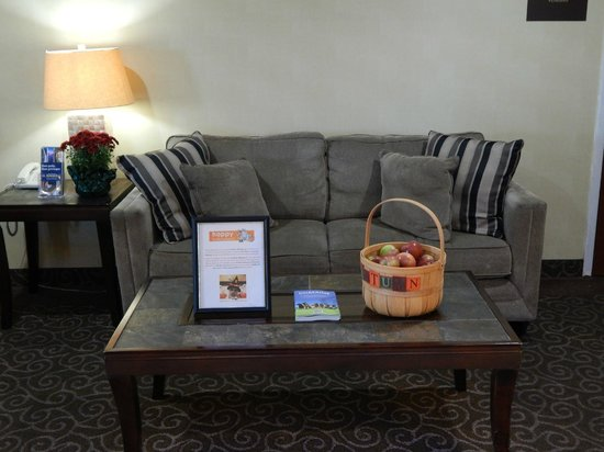 BEST WESTERN PLUS Augusta Civic Center Inn: Fresh, Local Apples