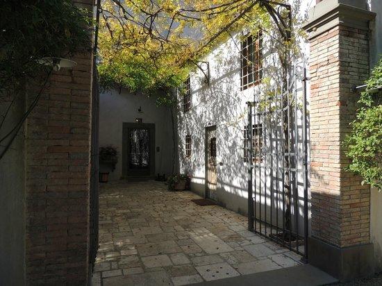 Villa Bordoni: Hotel Entry