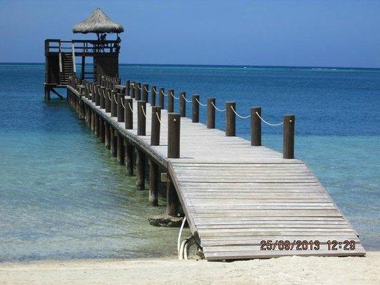 Palm Beach Roatan: Their pretty dock