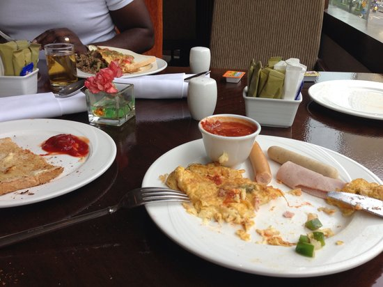 Holiday Inn Silom - Crown Tower: Lovely breakfast minus the old oil taste