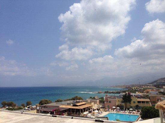 Golden Beach Hotel : roof terrace