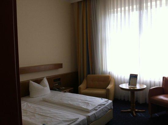 Hotel Prinzregent: Habitación, grande y tranquila