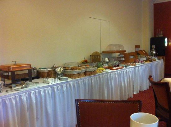 Hotel Prinzregent : desayuno, muy completo