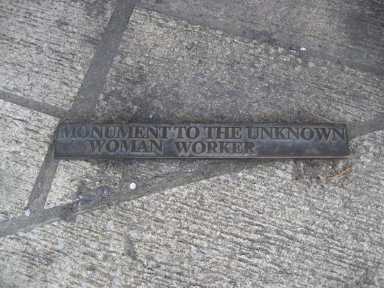 Monument to the Unknown Woman Worker: Sign