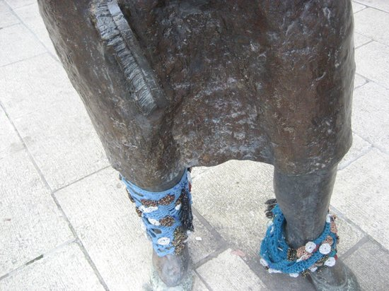 Monument to the Unknown Woman Worker: Legs 11!!!