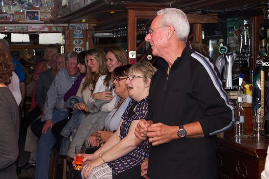 O'Connors Pub Doolin: Enjoying the music and the Guinness
