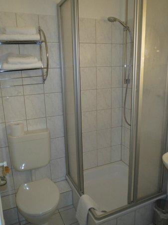 Hotel Zur Altstadt: Bathroom