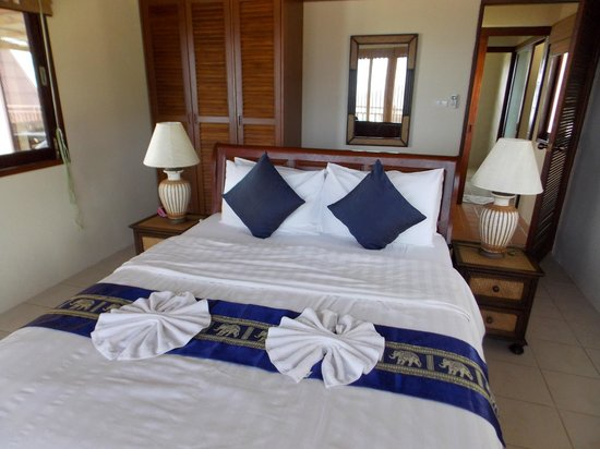 Baan KanTiang See Villa Resort: One of the two bedrooms