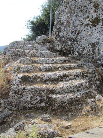 Mentor Hotel: Pénélope attend en haut des marches du palais à Stavros