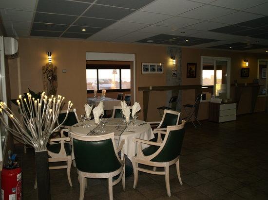 Cote et mer martigues restaurant avis num ro de for Restaurant le miroir martigues