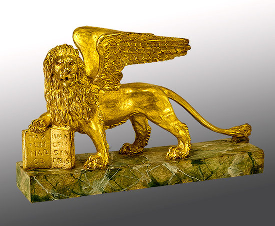 Bruno Barbon Intagliatore Restauratore Antiquariato: S. Marco Lion, had carved sculpture, swiss pine wood, gilded with 24 carats pure gold.