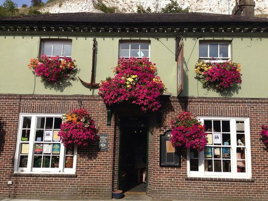 The Snowdrop: Now those are hanging baskets!