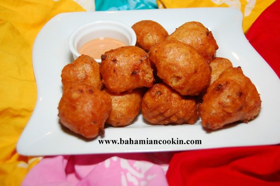 Bahamian Cookin' Restaurant & Bar: Conch Fritters