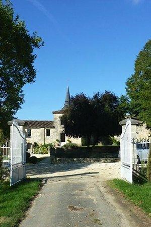 Chateau Claud-Bellevue : Lugar tranquilo e charmoso.