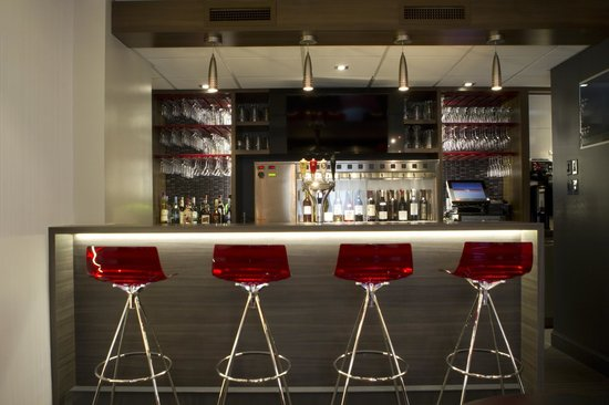 Cafe In: Bar à Vin