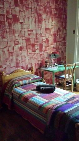 La Ciliegia Green B&B: particolare della camera