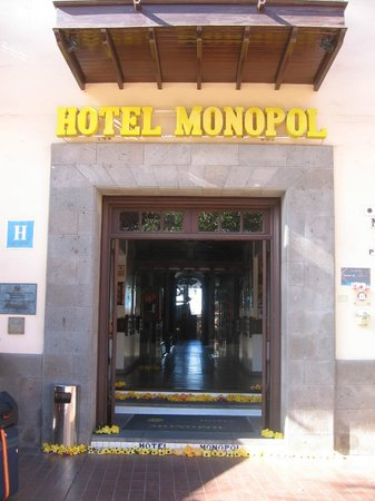 Hotel Monopol : the entrance