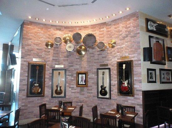 Hard Rock Cafe Mallorca: inside