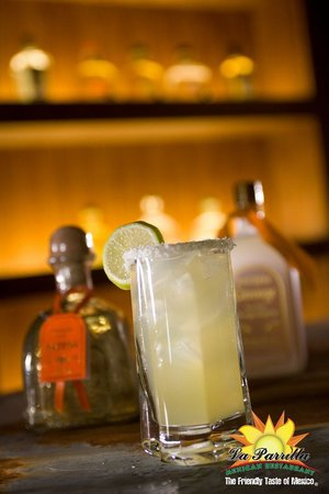 La Parrilla Mexican Restaurant: Margarita on the Rocks
