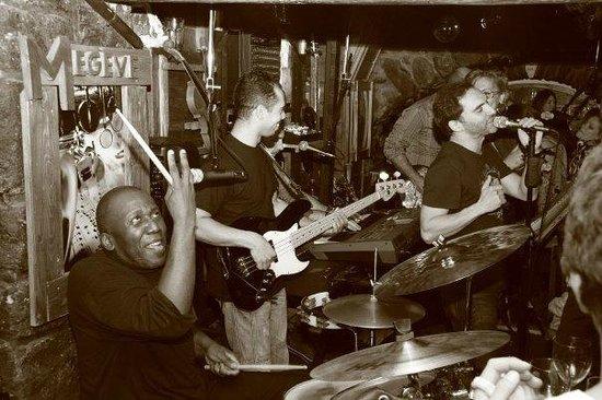 Jazz Club des Cing Rues: Les 5 Rues