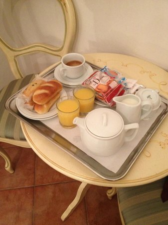Locanda SS. Giovanni e Paolo: Breakfast tray for 2.