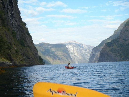 Njord - Seakayak and Wilderness Adventure Day Tours: Heading up the fjord