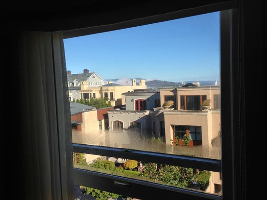 Hotel Drisco : View from Our Window overlooking Pacific Avenue Neighborhood