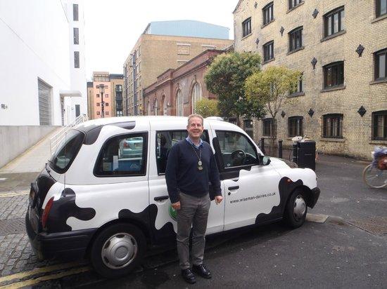 ลอนดอนแค๊บบี้ทัวร์ - ไพรเวททัวร์: Steve and his Cow-Cab