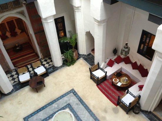 Dar el Qadi: Il thè con i pasticcini nella corte del Riad