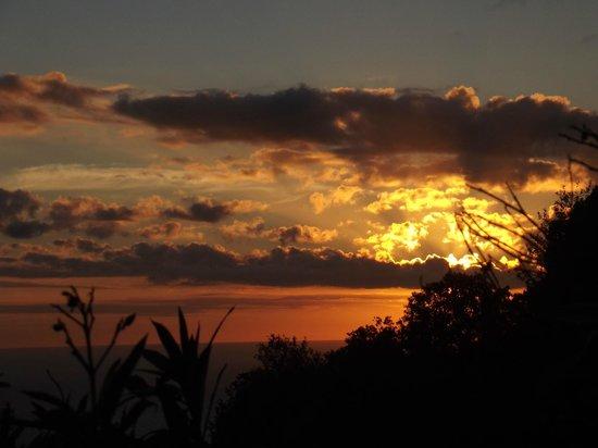 Camping Vigna Maggiore : Coucher de soleil du chalet N°8