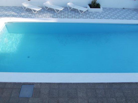 Apartamentos Isabel : swimming pool pic 2
