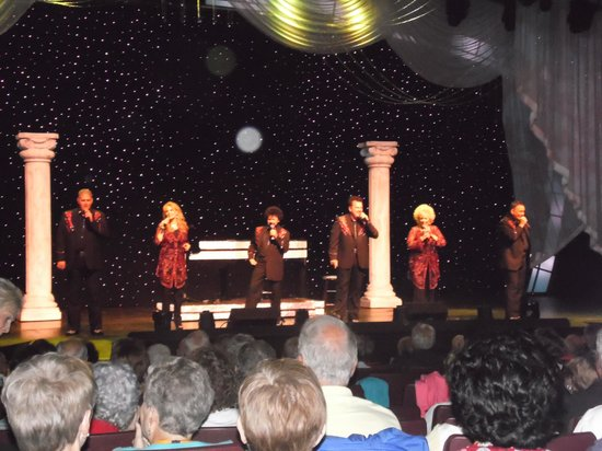 Blackwoods Morning Variety Show: singing up a storm