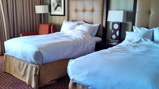 DoubleTree by Hilton Hotel Atlanta - Northlake: do not expect linens to be changed every 3rd day as the room card states