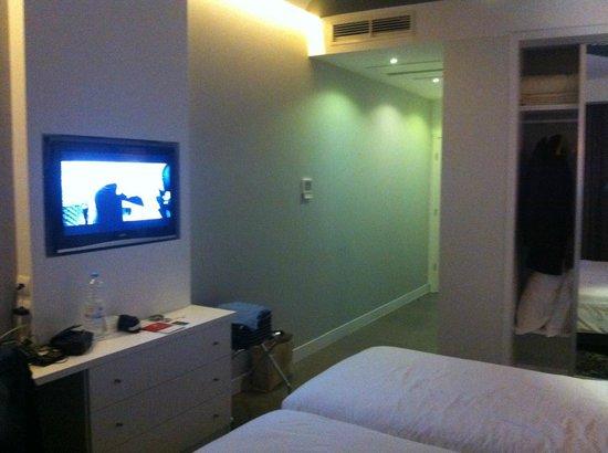 Rossio Hotel: Quarto twin com LCD!
