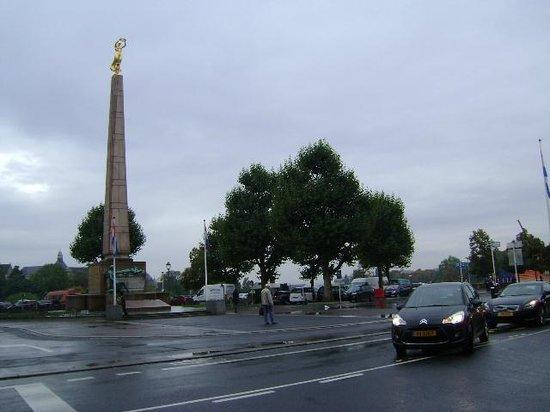 Monument de la Solidarite Nationale : Monumento de la Solidaridad Nacional, Ciudad de Luxemburgo, Luxemburgo.