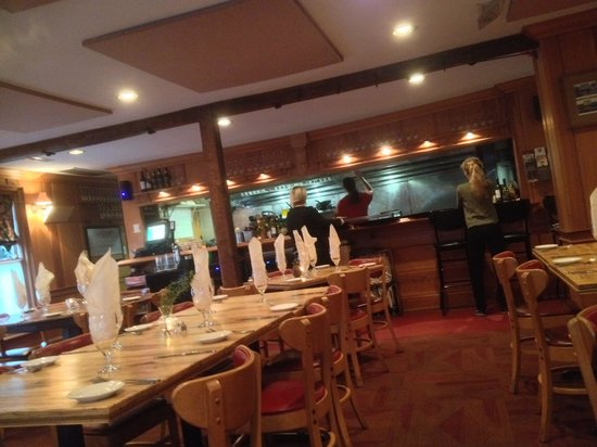 Thornton River Grille: Inside dinning