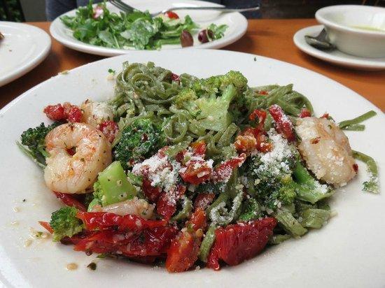 Osteria del Figo: Spinach linguine with Broccoli e Gamberi sauce