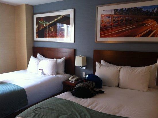 Doubletree By Hilton - Times Square South : Quarto com duas camas