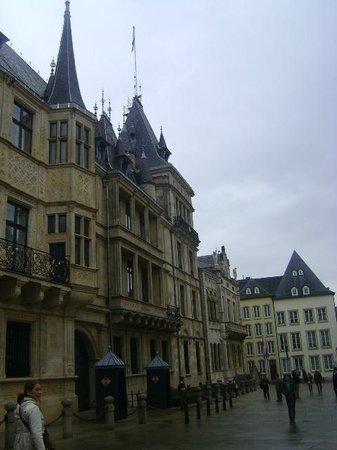 Palace of the Grand Dukes (Palais Grand-Ducal) : Palacio de los Grandes Duques, Ciudad de Luxemburgo, Luxemburgo.