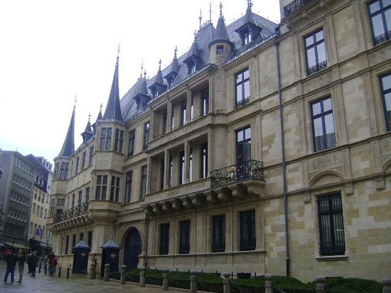 Palace of the Grand Dukes (Palais Grand-Ducal) : Palacio de los Grandes Duques, Ciudad de Luxemburgo, Luxemburgo.