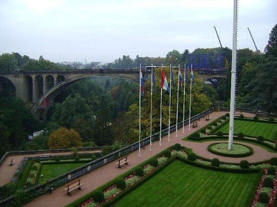 Pont Adolphe : Puente Adolfo, Ciudad de Luxemburgo, Luxemburgo.