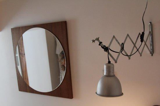 Antiq Palace Hotel & Spa: Bathroom light!