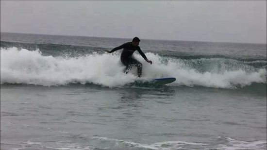 Smart Surf School: Trying to turn in!