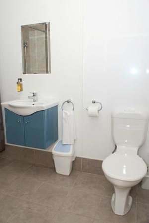 Plateau Lodge: Family en suite bathroom
