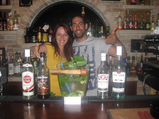 Wave Bar: Maria and Dimitris (Owners)